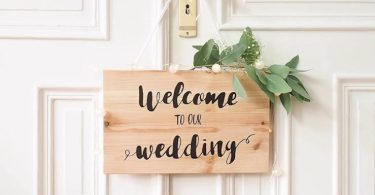 Wedding Wooden Welcome Sign Tutorial