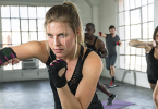 This home boxing workout for women will show you how to use boxing basics to burn fat, get fit and tone without a gym required by a real #boxingtrainer #boxing #workout