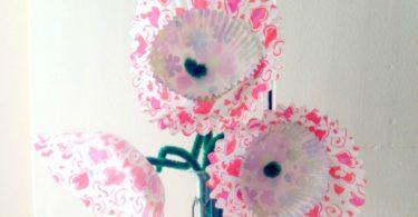 DIY-Valentine's-Day-Cupcake-Blooms-Centerpiece