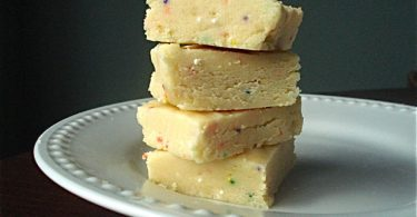 Cake batter fudge - A 10 minute recipe