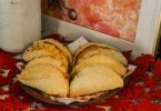 Learn how to make mini pumpkin pies with pie crust